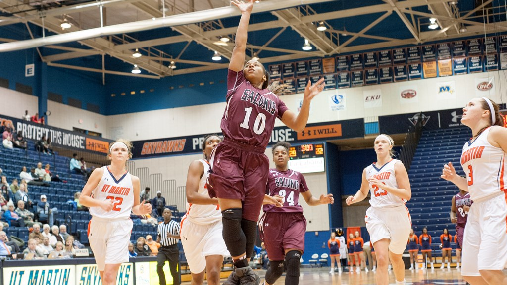 Women's Basketball drops back and forth affair at UT Martin